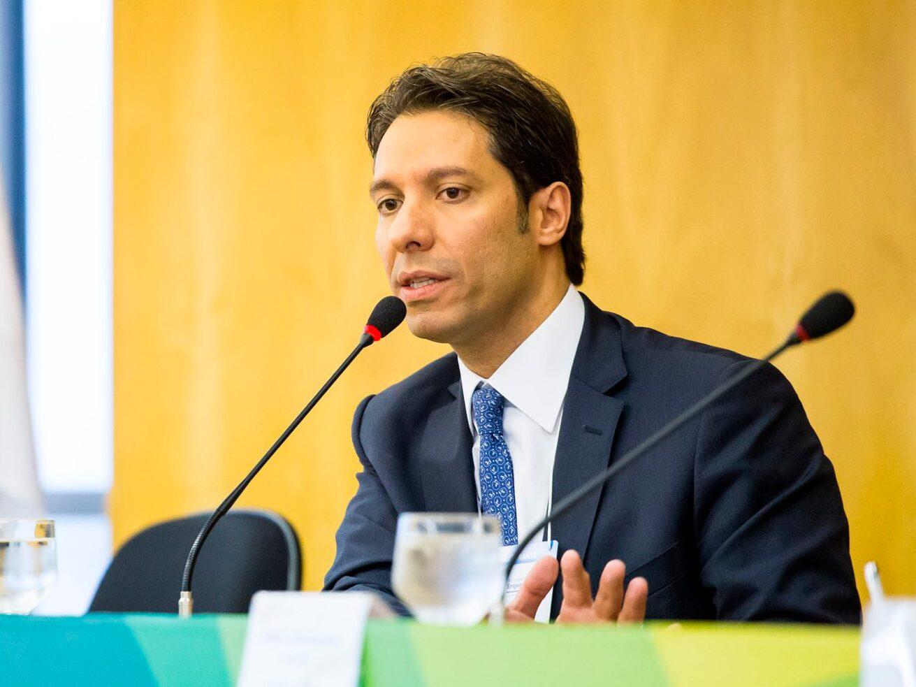 Fernando Vernalha apresenta propostas à Câmara dos Deputados para a atualização do regime de licitações e contratos