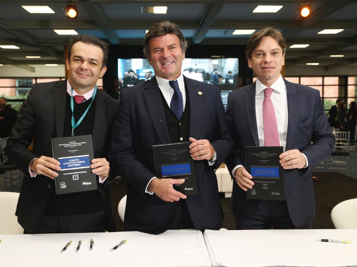 Ministro Luiz Fux, Luiz Fernando Casagrande Pereira e Walber Agra lançam o Tratado de Direito Eleitoral