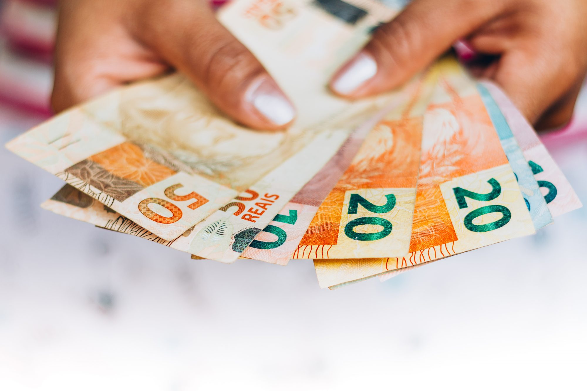 13º salário de trabalhadores que tiveram salário reduzido deve ser pago de forma integral, segundo Ministério da Economia